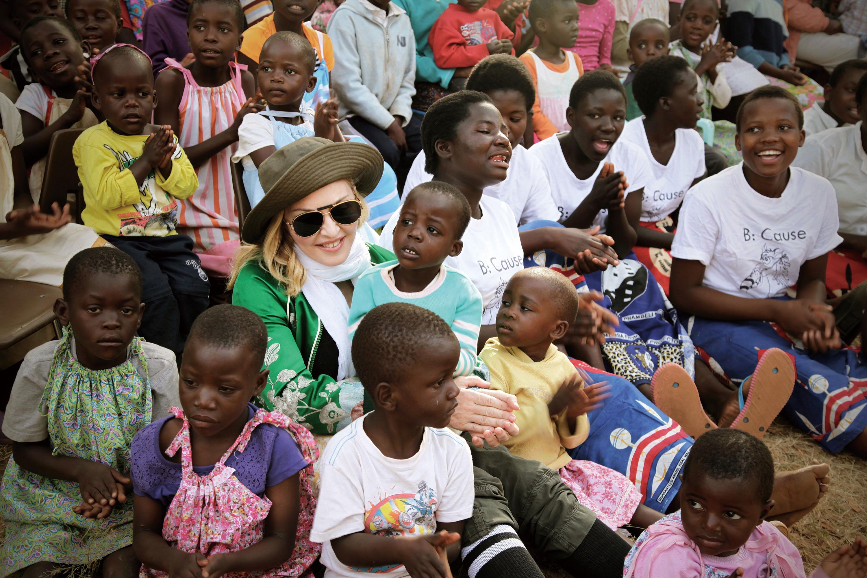 為善最樂的麥當娜   旭茉JESSICA Raising Malawi