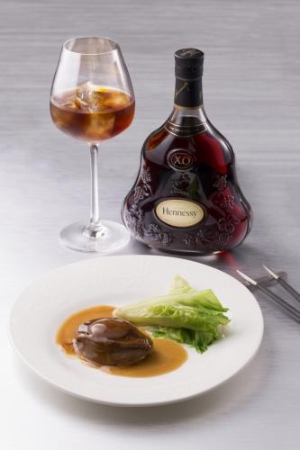 紅燒南非赫曼努斯鮮鮑魚伴唐生菜 X Hennessy X.O