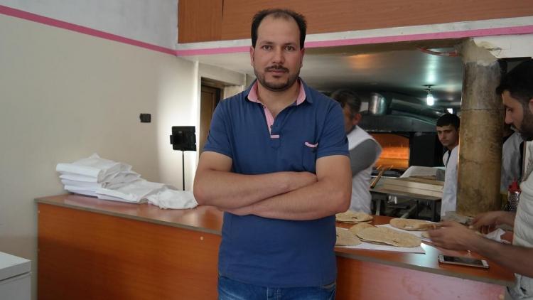敘利亞人Maia透過國際紅十字會的「生計項目」開設麵包店,自力更生,更給予同鄉就業機會