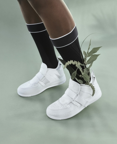 AJ1 EXPLORER XX $1199 :褶邊鞋跟設計使鞋子的高度可以調整。