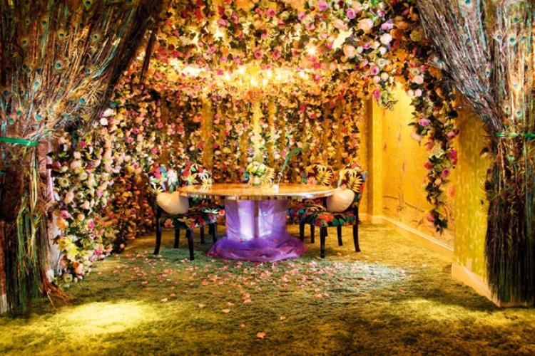 Eden 佈置如室外園景,成為浪漫詩意的證婚場地,為愛侶展開童話般的幸福人生。