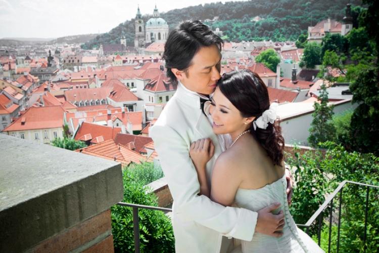 布拉格擁有「千塔之城」、「金色城市」等美譽,號稱歐洲最美麗的城市之一,Wendy 在此拍婚紗照留下美好回憶。