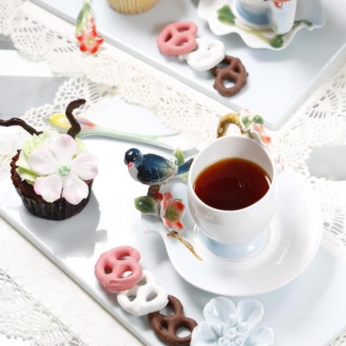 與伴娘完成療程後,一起品嘗精美茶點,體驗星級貴賓享受。