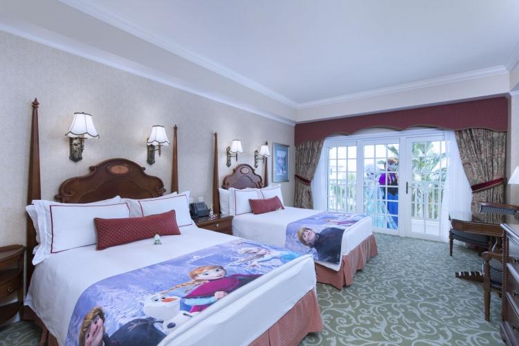 「魔雪奇緣」主題酒店房間佈置