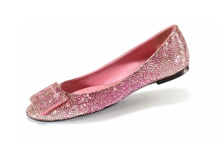 Roger Vivier Ballerina Belle Vivier 漸變粉紅色水晶平底鞋 $21,000