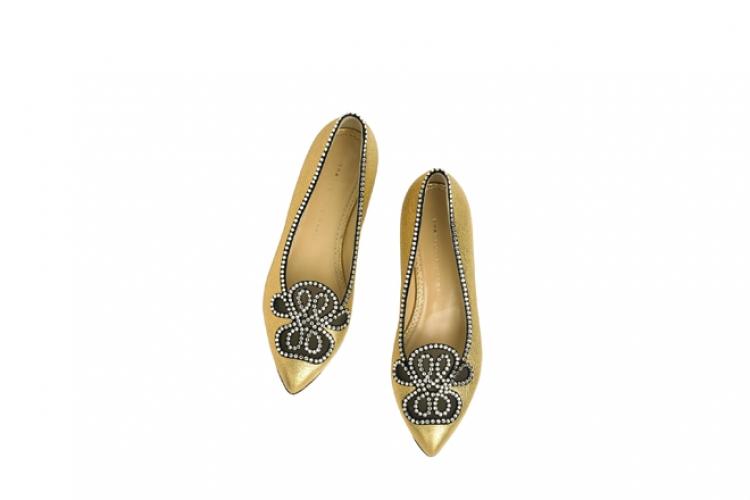 Charlotte Olympia 金色綴水晶花紋 尖頭平底鞋 $11,800 from On Pedder
