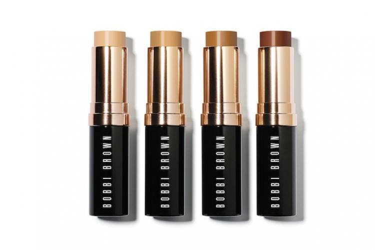 全新 Skin Foundation Stick ($390) 一共推出 14 色,當中包括最多香港女性選購的 Sand。