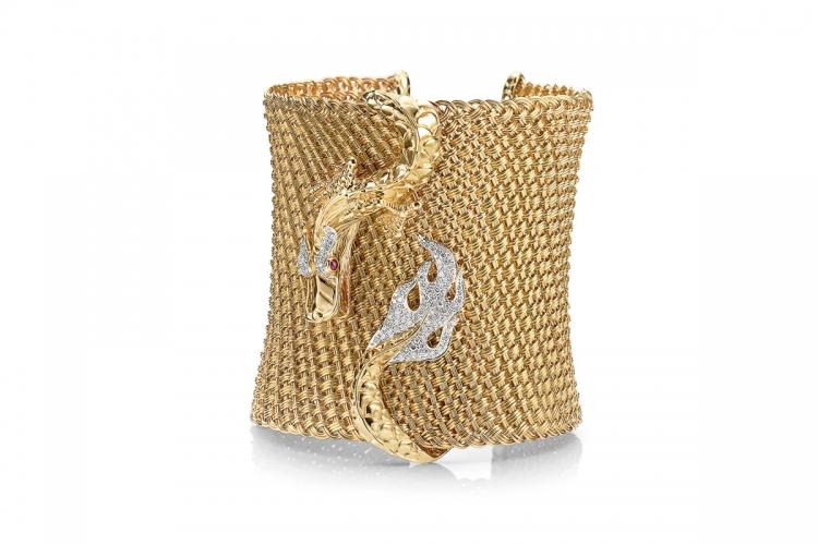 Naga 18K 黃金鑲鑽眼睛鑲非洲紅寶寶石闊身織網開口手鐲 $326,100