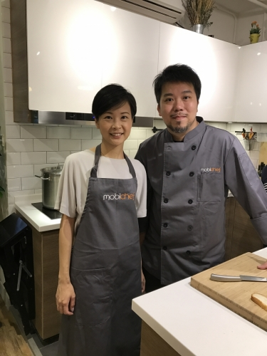Leslie 是平台正式運作前已認識的上門廚師,公司第一條拍的宣傳片就是找了他粉墨登場。