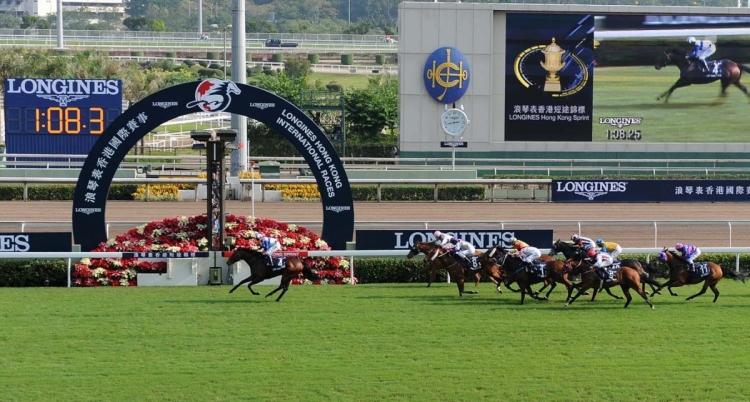 LONGINES自2012年起,成為香港馬季矚目盛事「浪琴表香港國際賽事」冠名贊助並擔任官方計時及大會指定腕表