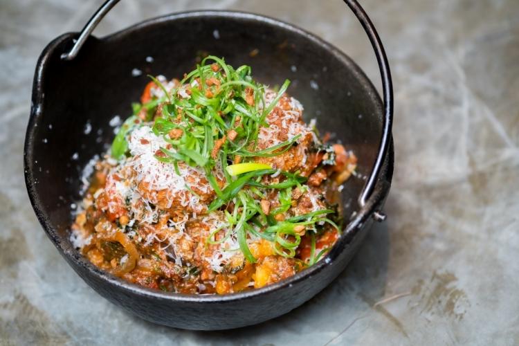 Rhoda: Meatballs and Pig Skin Spaghetti ($268)(11月16至23日於餐廳供應)