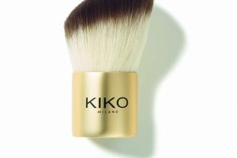 MINI DIVAS Kabuki Brush,粉狀產品專用。化妝掃的柔軟合成掃毛柔順易掃。HK$99
