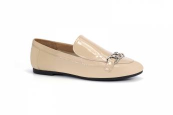 Nude 色漆皮鞋 HK$1,299(Millie's)