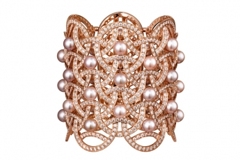 CARTIER Paris Nouvelle Vague bracelet in 18K pink gold paved with diamonds & fresh-water pearls (price upon request)