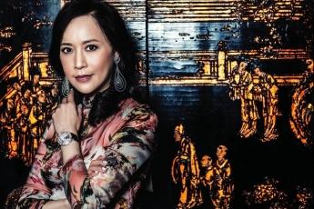 熒幕前的顧紀筠是一位多元化藝人;熒幕後她是一位多才多藝的珠寶設計師。