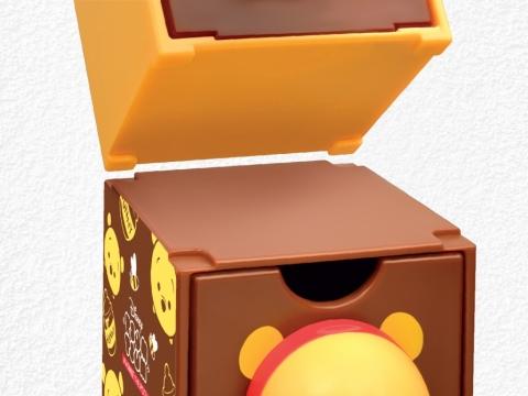 特別的窩位設計,盒頂四角凹下,盒底四角凸出,方便用家裝嵌疊高。