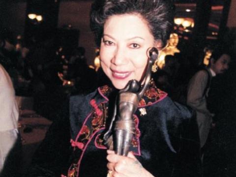 憑《爆裂刑警》獲多個電影大獎