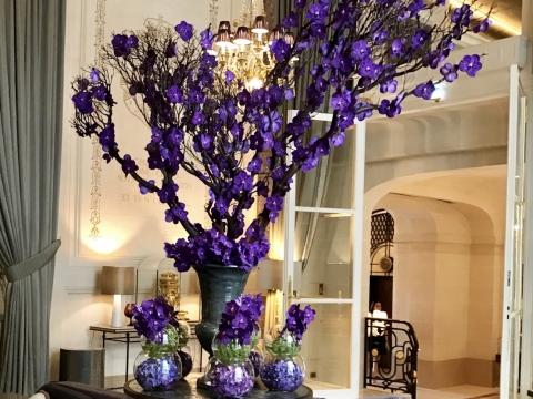 Djordje Varda於Hotel de Crillon中的花卉設計作品。