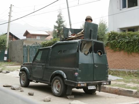 喀什米爾時刻有軍隊巡邏。