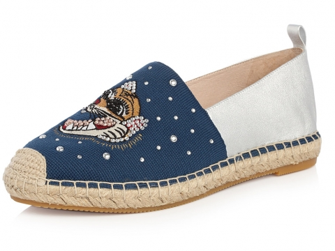 藍白虎頭平底鞋 HK$1,490