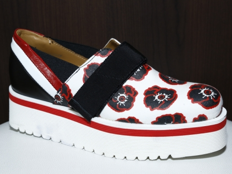 Roberto Botticelli floral shoes $1,672 (Original Price: $4,180)