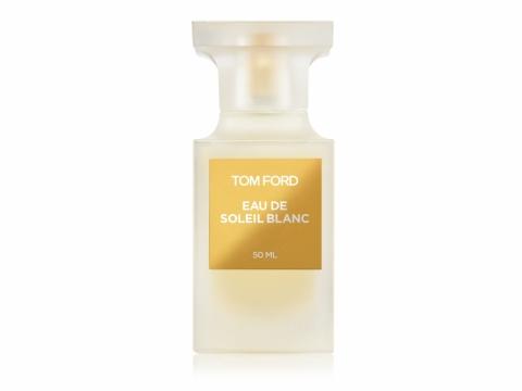 TOM FORD Eau de SOLEIL BLANC 混合苦橙皮、翠綠佛手柑、開心果、橙花花蕾、茉莉花花蜜、琥珀及香草等組合成特別的香氣。HK$950/50ml