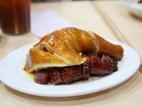 大埔祖店售賣燒味,所以叉燒、油雞都是招牌菜。