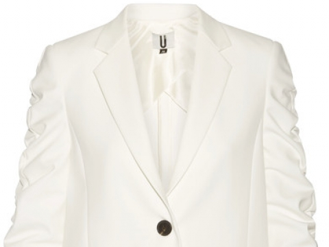 Culpeper ruched stretch-crepe blazer HK$2,030 (TOPSHOP UNIQUE)
