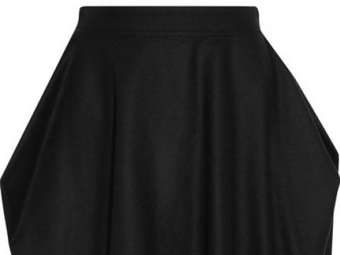 Kite wool-blend skirt HK$1,035 (VIVIENNE WESTWOOD ANGLOMANIA)
