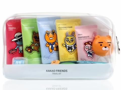全套7件旅行套裝包括洗髮露、潤髮乳、沐浴露、潔面泡沫、牙膏、牙刷及牙刷掛鈎,從頭到腳都照顧每個部位。HK$99.9/套