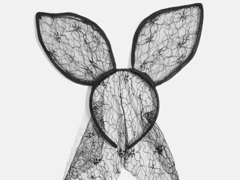 Bunny Veil Ears HK$149 (TOPSHOP)