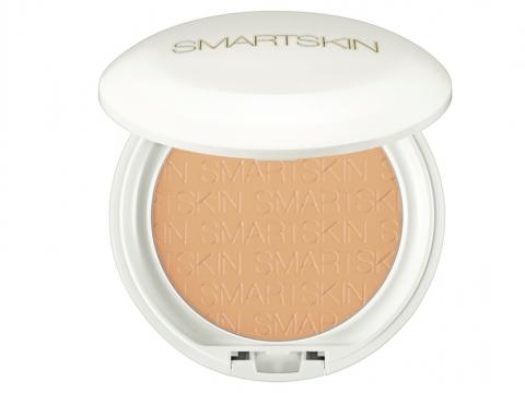 ALBION SMARTSKIN White Rare SPF40 PA++++ 細緻亮澤白皙修飾粉餅,粉質幼細,蘊含清新草本花香,共3色。HK$480