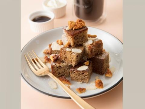 烤棉花糖朱古力流心蛋糕以鹹香酥脆的消化餅配上外脆內軟的朱古力心太軟蛋糕,頂層放上綿柔的烤棉花糖。HK$38