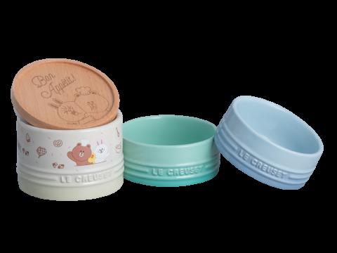 一件三層的小鍋子內外都印有LINE FRIENDS的可愛圖案,各層小鍋子的次序可隨您配搭,用途多變。限定價HK$488