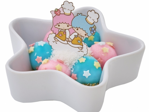 Little Twin Stars糖不甩 (HK$42) 傳統廣東甜點,特地調製了粉紅和粉藍糯米粉糰,再灑上雪白椰絲和粉嫩星星糖粒。