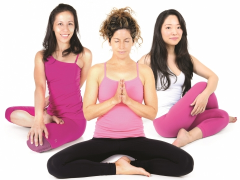 Karma瑜伽班由Wendy、Shoko及Lizzie親自指導動態瑜伽,最低捐款額為港幣300元,參加者將獲贈一套HKBCF乳健禮品,將於10月21日在中央廣場Pure Yoga舉行。