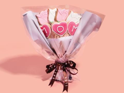 Sweet Tulip (HK$218) 有沒有想過送一束可食用的花給母親?由新鮮奶油製作的曲奇花束絕對是一個好選擇。