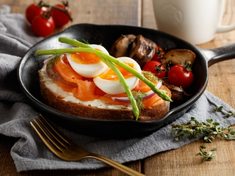 煙三文魚溏心蛋天然酵母麵包 HK$72