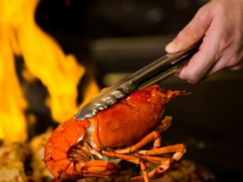 芝士磨菇焗龍蝦配美國肉眼
