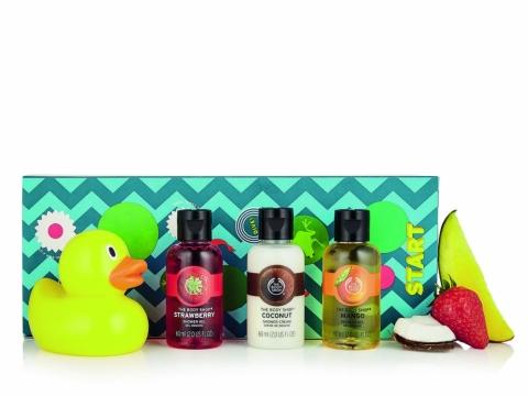 果味沐浴套裝包括沐浴小鴨及3款水果沐浴露(士多啤梨、芒果、椰子)。HK$149(價值$166)