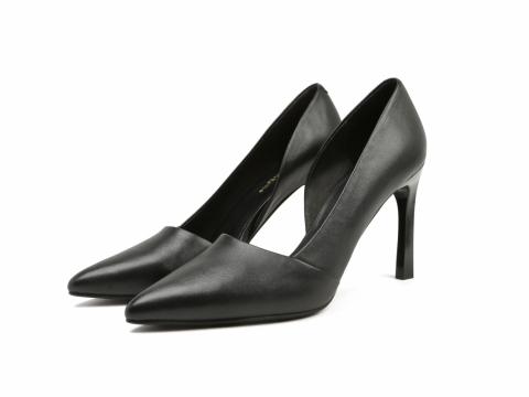 Venilla suit黑色尖頭高跟鞋 原價:HK$1,299 折實價HK$300