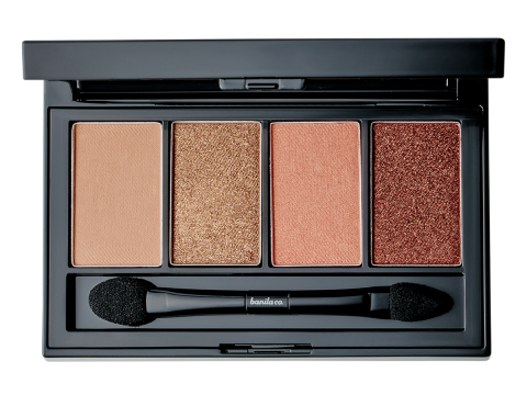 banila co. Holiday in Seoul Eye Shadow Palette #Red Blossom ($248),集合自然色到夢幻粉,配合透亮珠光。