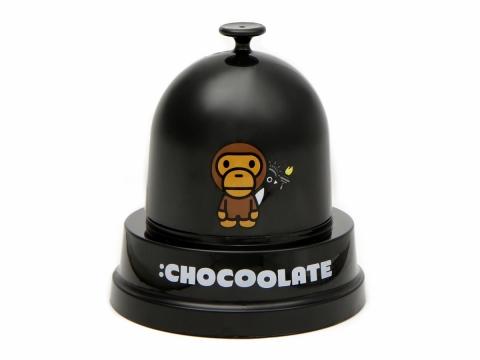 購物滿淨價$1,00即可免費獲得 :Chocoolate x Baby Milo聯乘骰盅乙個。