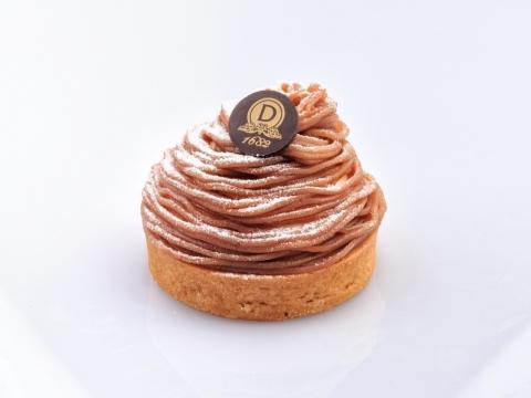 Mont Blanc,以幼細的栗子蓉作底層、配搭香滑細溜的雲呢拿慕絲和脆口的蛋白餅,每口都是微甜栗香。$58