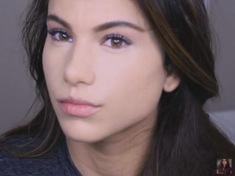 美國YouTuber Kayleigh Noelle用廚房海綿上妝效果
