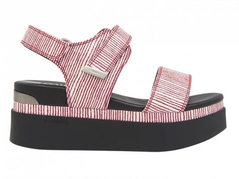 幼間厚底涼鞋(紅白/ 黑白) $1,399