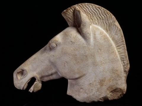 馬首(塑像殘件),最後一次於法國以外地方展出。