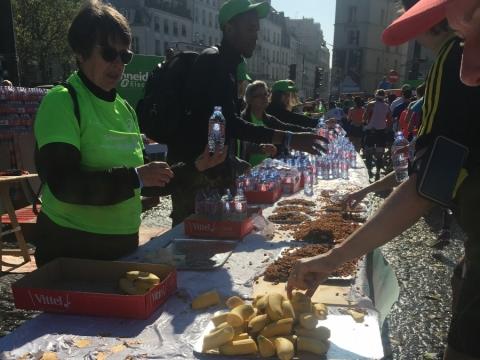 每5公里會有補給站,提供香蕉、橙、水和零食