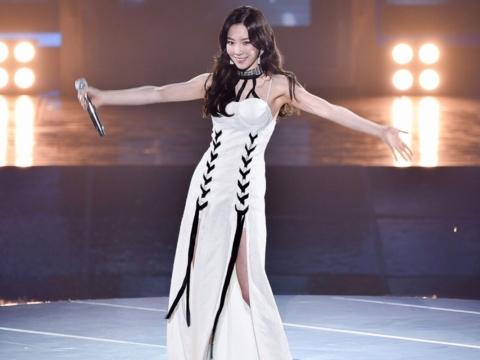 少女時代太妍的演唱會造型