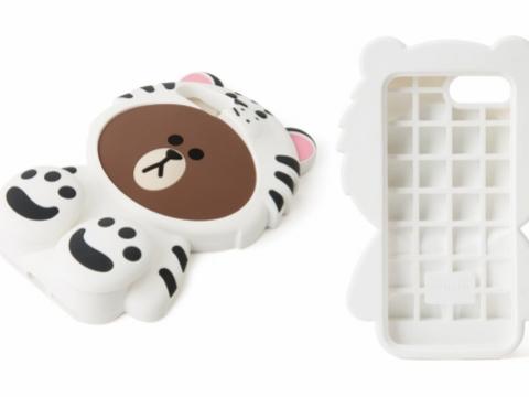 SNOW BROWN是隻愛在雪地裡打滾的白老虎。(iPhone 7矽膠保護套 HK$200)